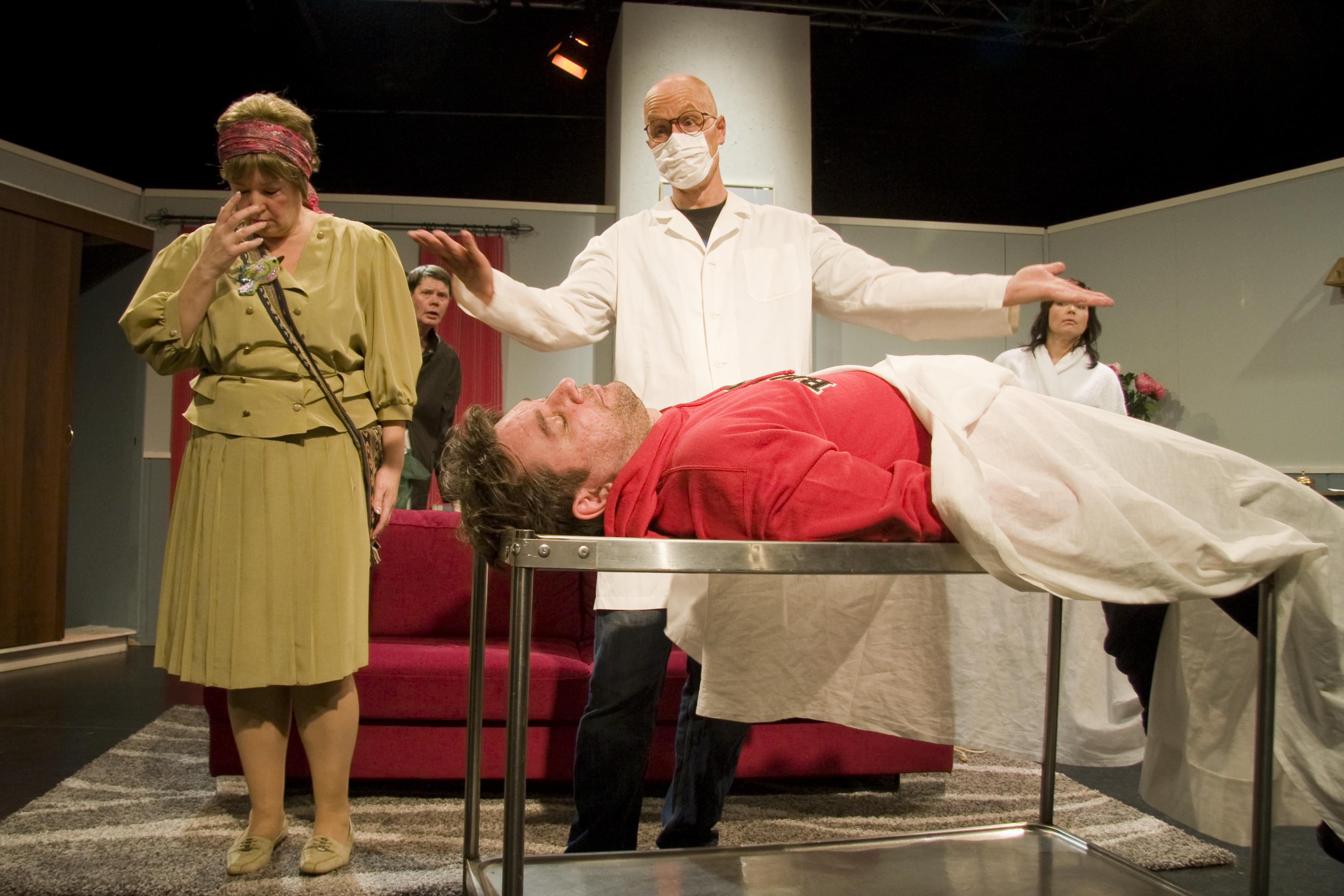 """STIGU"" - Dickermans hälsohotell. Teaterboulage 2010. Phot Anna Franck"