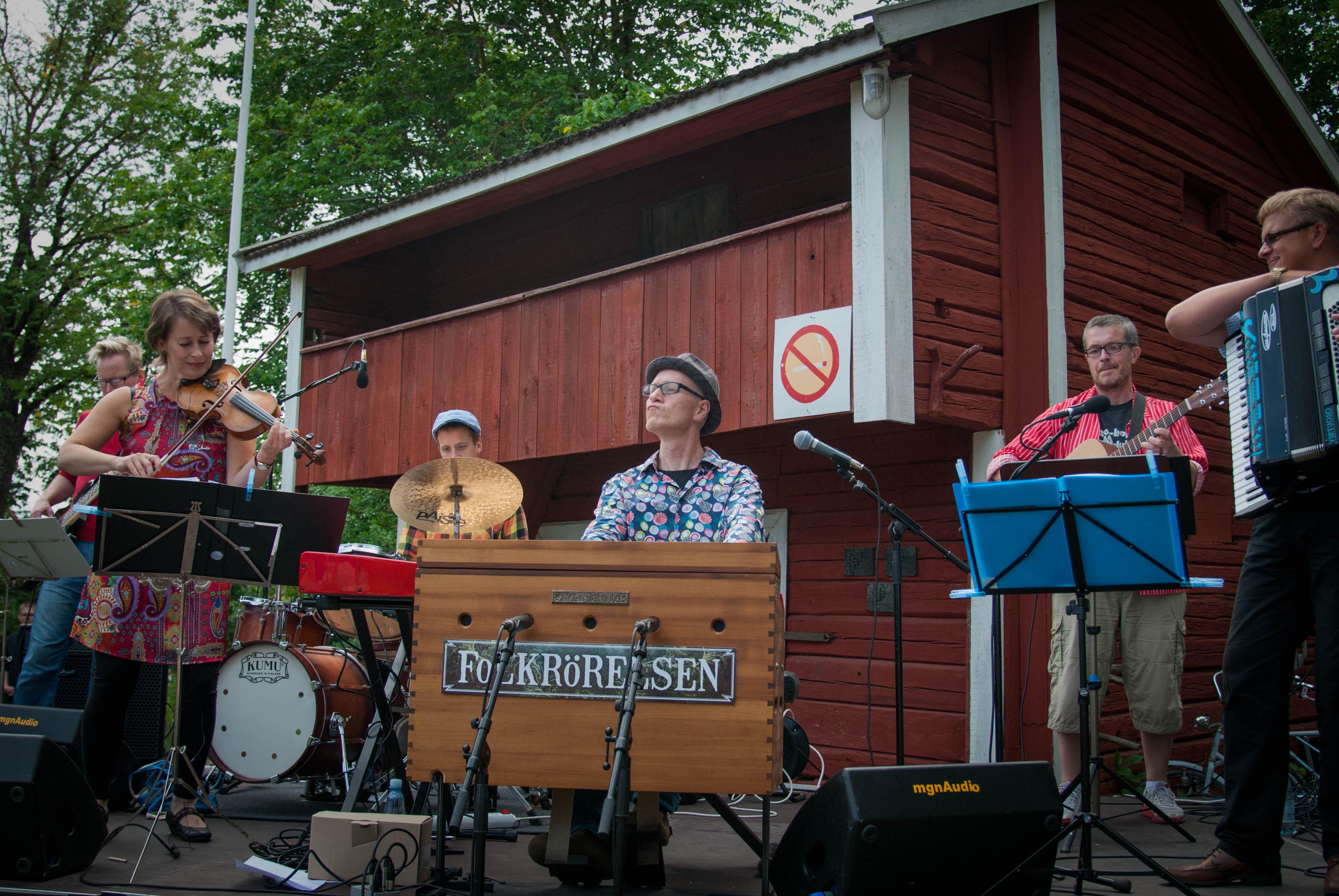 Tramporgel - FoLKRÖRELSEN, 2014. Photo Samuel Salminen.